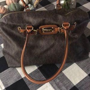 Michael Kors extra large shoulder bag 💼